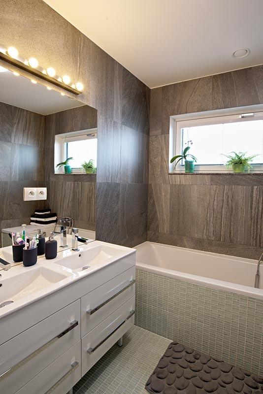 Rodinný dům Krašovice dřevostavba sádrokarton v koupelně