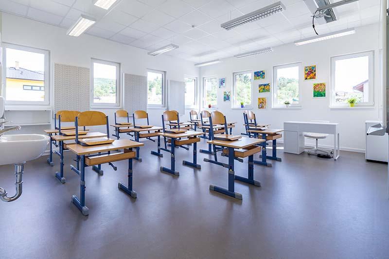 Základní a mateřská škola Beroun dřevostavba sádrokarton Rigistabil se sádrokartonovými kazetami Gyptone