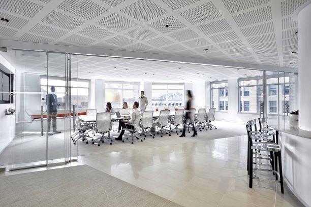 ádrokartonové perforované desky Gyptone BIG při použití v kancelářích